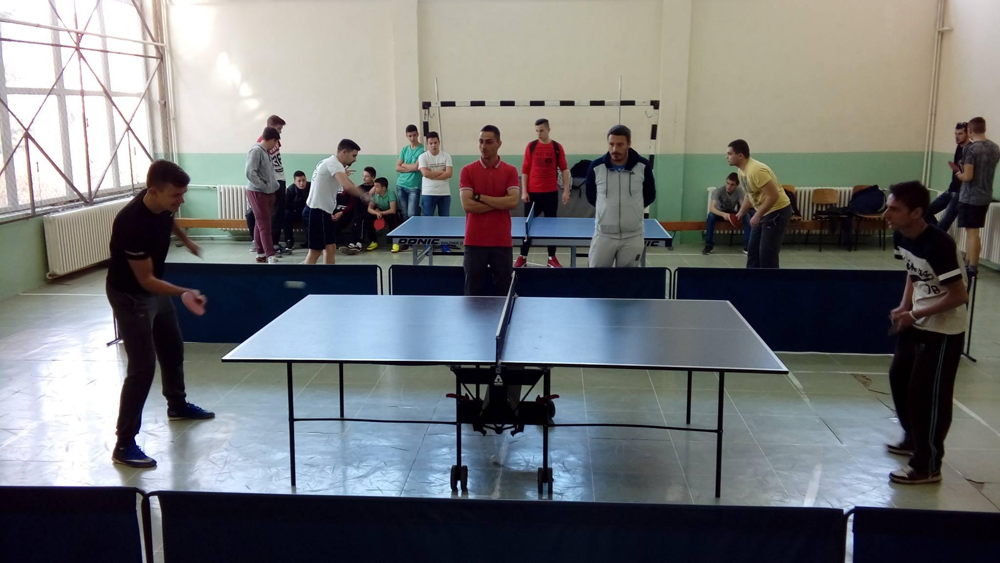 SREDNJA ŠKOLA: Održan turnir u stonom tenisu