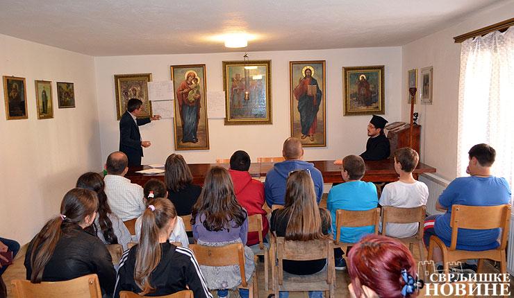 Predavanje-u-crkvi