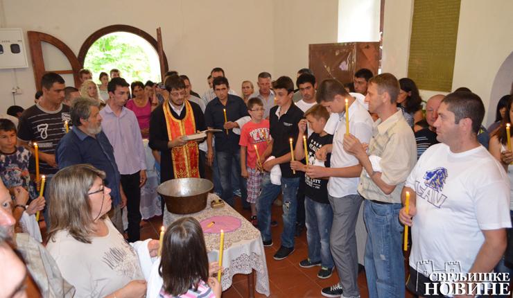 Grupno krštenje u Niševcu