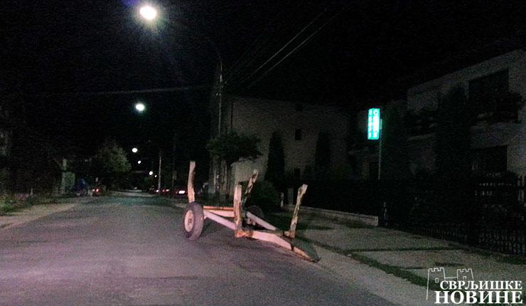"Foto info: Opasno ""parkiranje"""