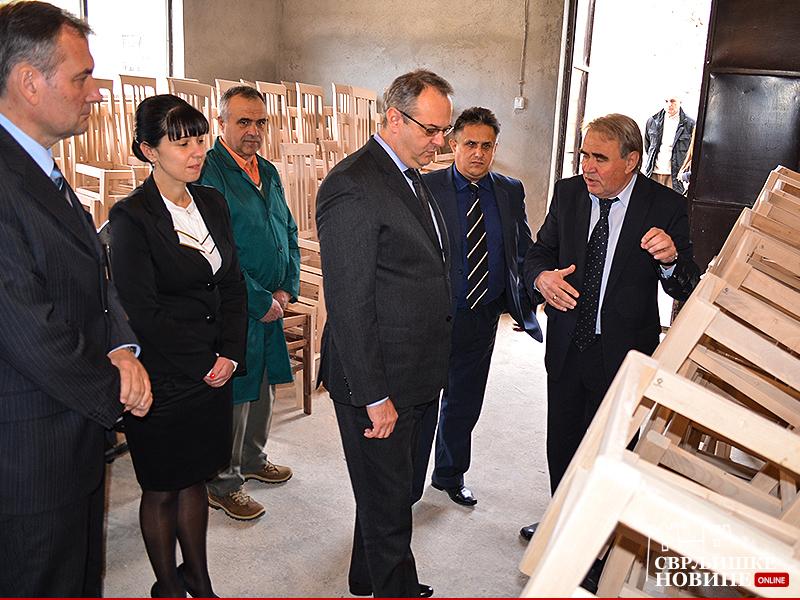 Ministar Sertić otvorio novi pogon fabrike nameštaja