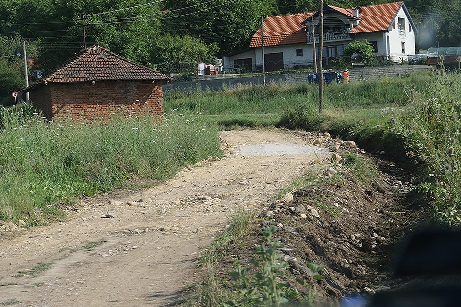 Radovi na uređenju seoskih i atarskih puteva
