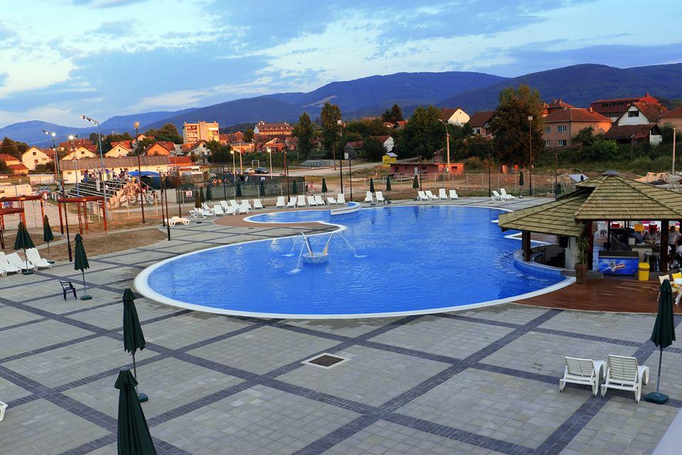 Za nedelju dana bazen u Svrljigu posetilo više od 4500 ljudi