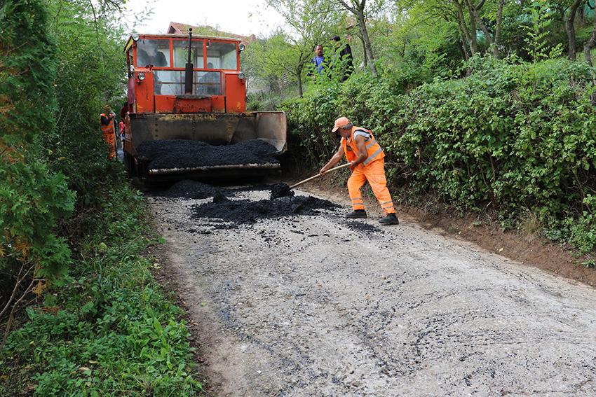 Asfaltiranje seoskih puteva u Beloinju