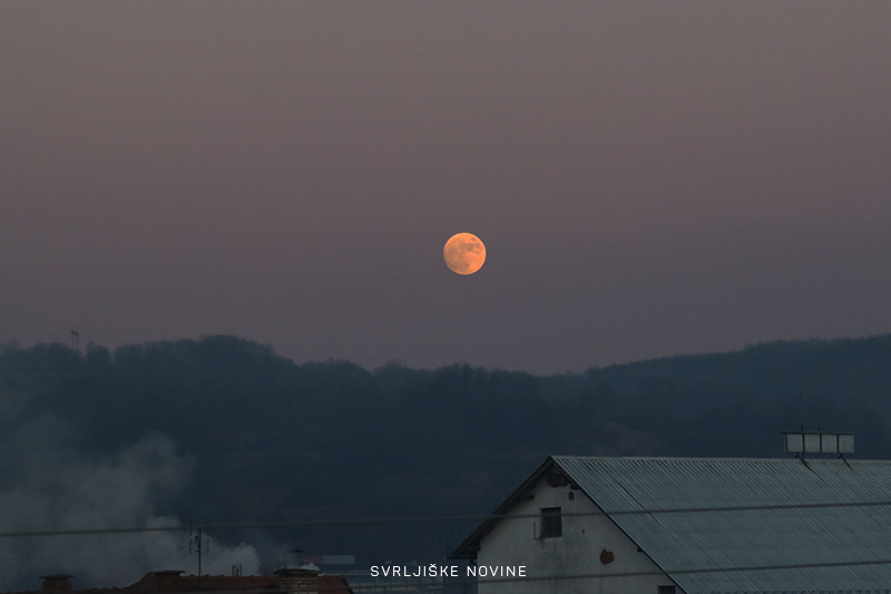 Mesec iznad Svrljiga
