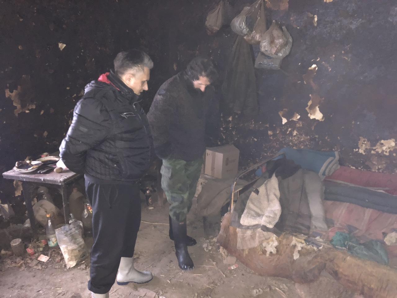 Milija Miletić i Slavoljub u svojoj kući, foto: M. Miladinović