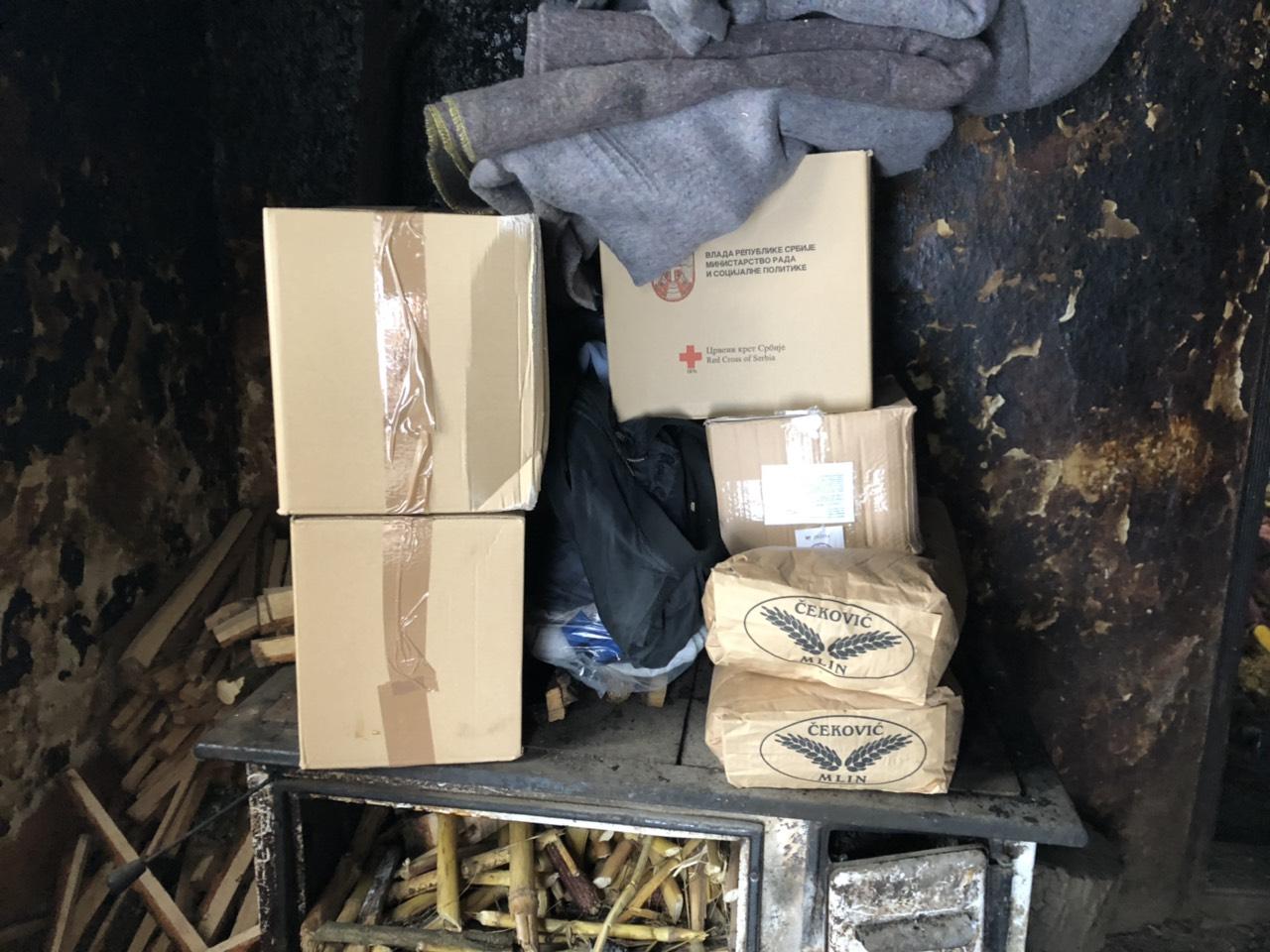 Stigli paketi sa hranom, foto: M. Miladinović