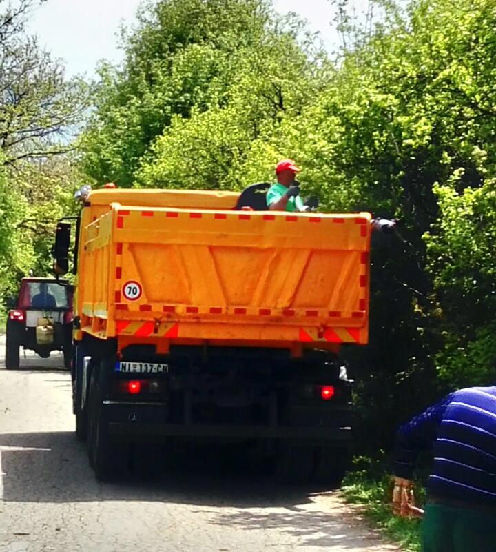 Čišćenje šiblja i visokog rastinja pored puta, foto: M.S.