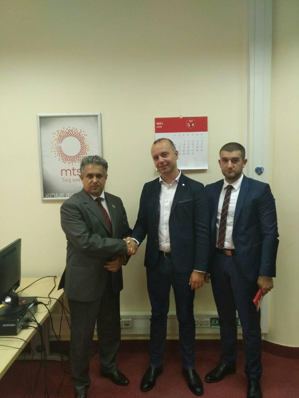 """Miletić sa predstavnicima ,,Telekoma"""" u Beogradu o problemu gašenja ,,CDMA"""" bežično-fiksne telefonije"""