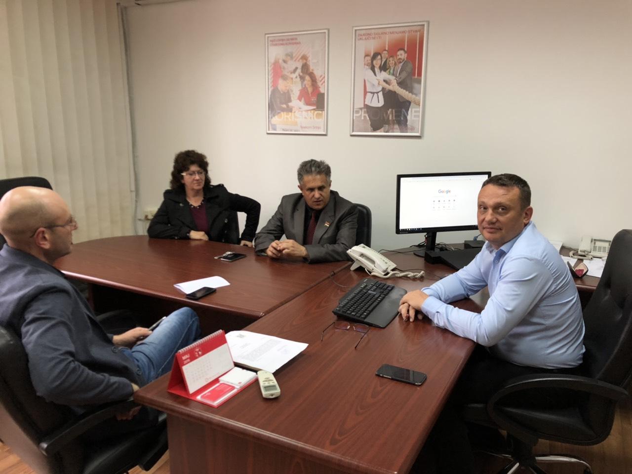 """ODLOŽITI ZAMENU ,,CDMA"""" SISTEMA: Miletić se sastao sa predstavnicima ,,Telekoma"""""""