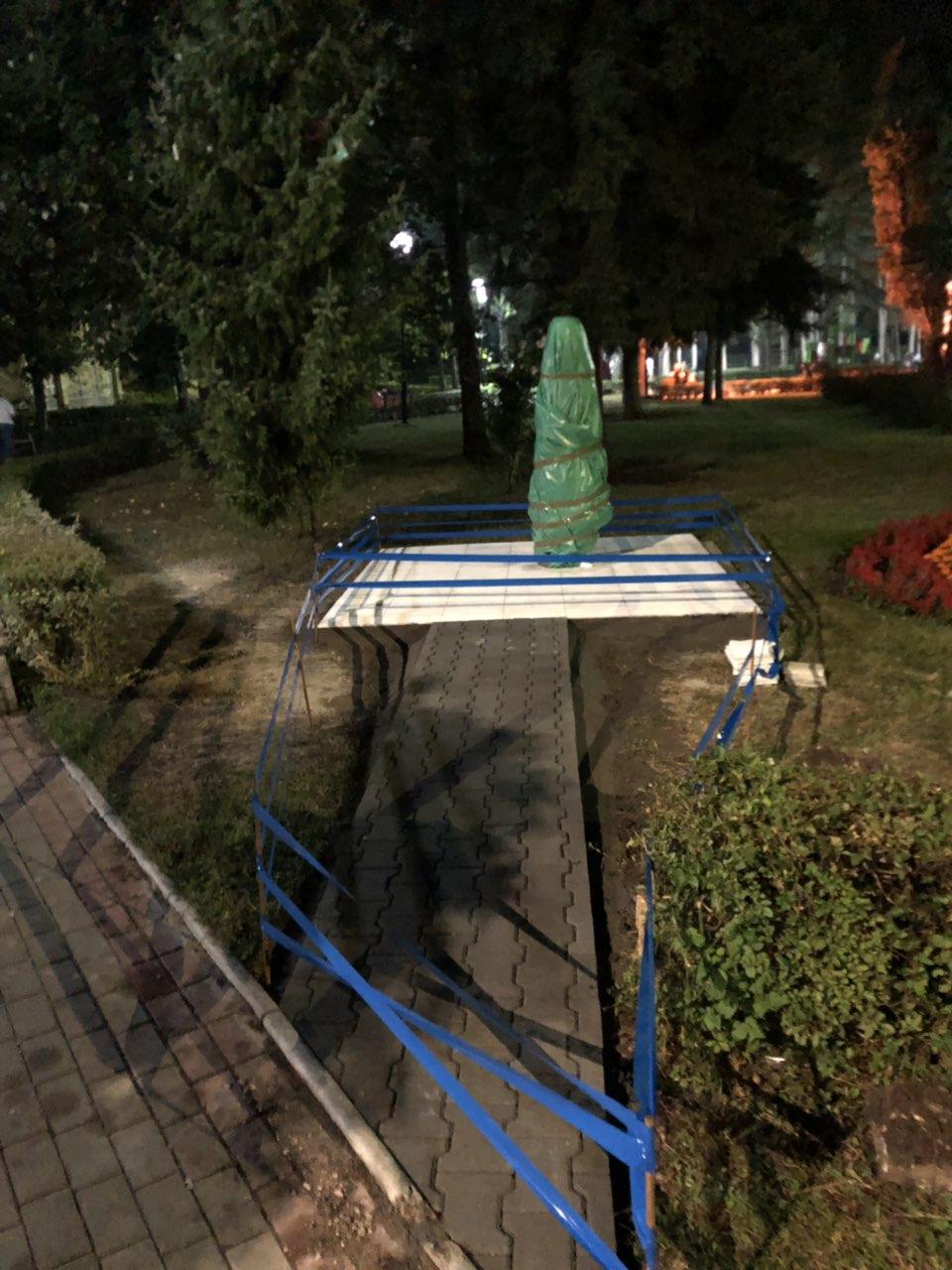Spomenik, foto: A.A.