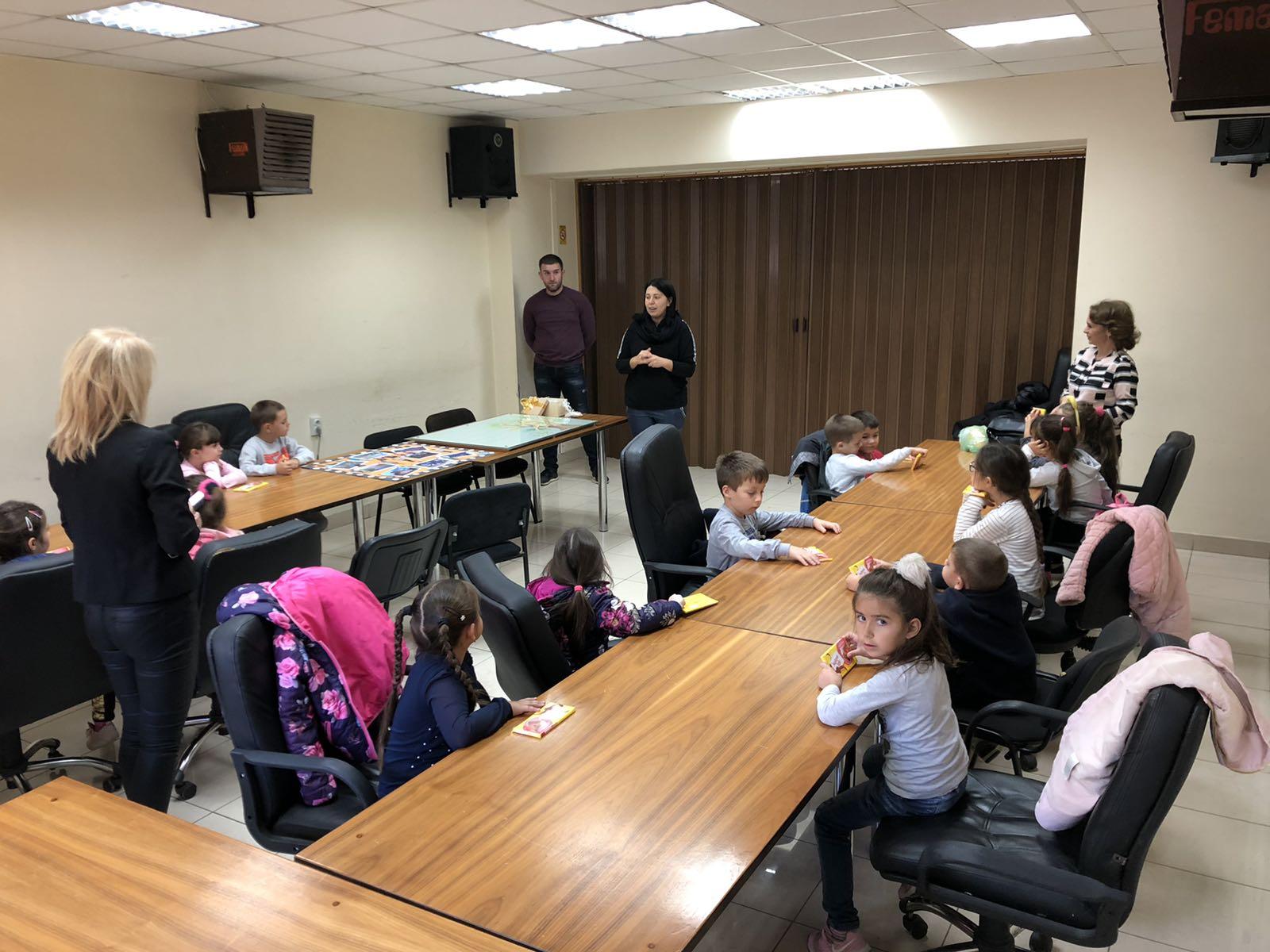Deca i predsednica opštine, foto: D.M.
