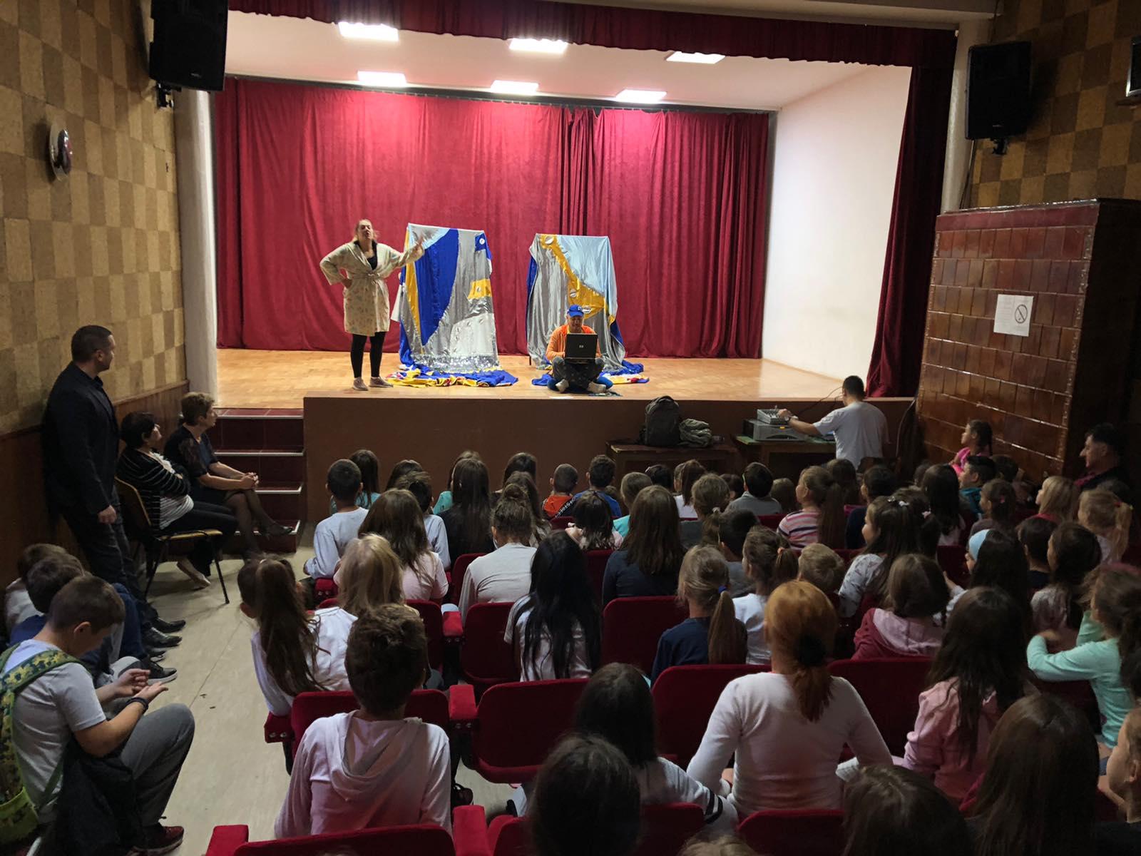 Predstava ,,Zemlja dembelija'', foto: M. Miladinović