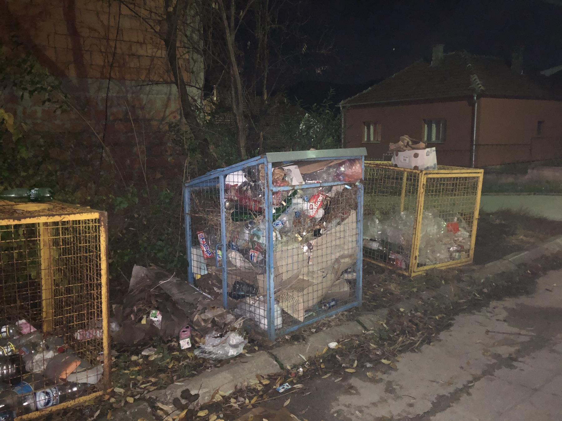 Stanovnici Jocine ulice traže da se redovnije prazne kontejneri