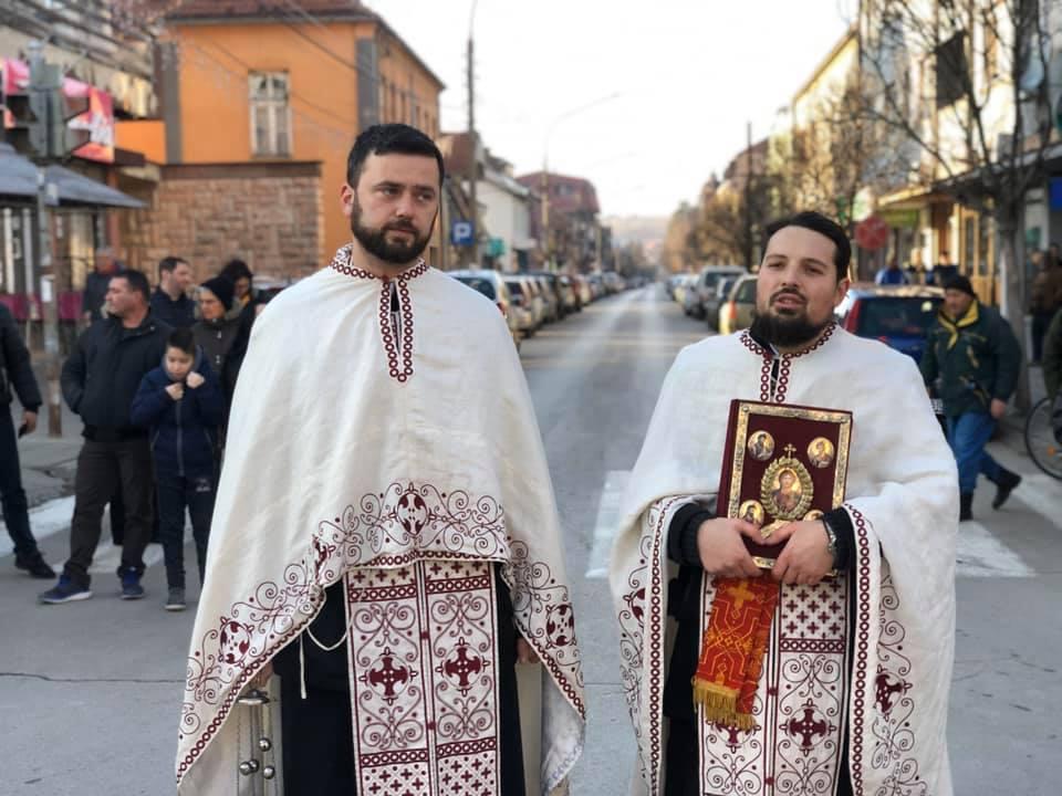 Sveštenici Mladen Marinković i Nikola Miljković, foto: M. Miladinović
