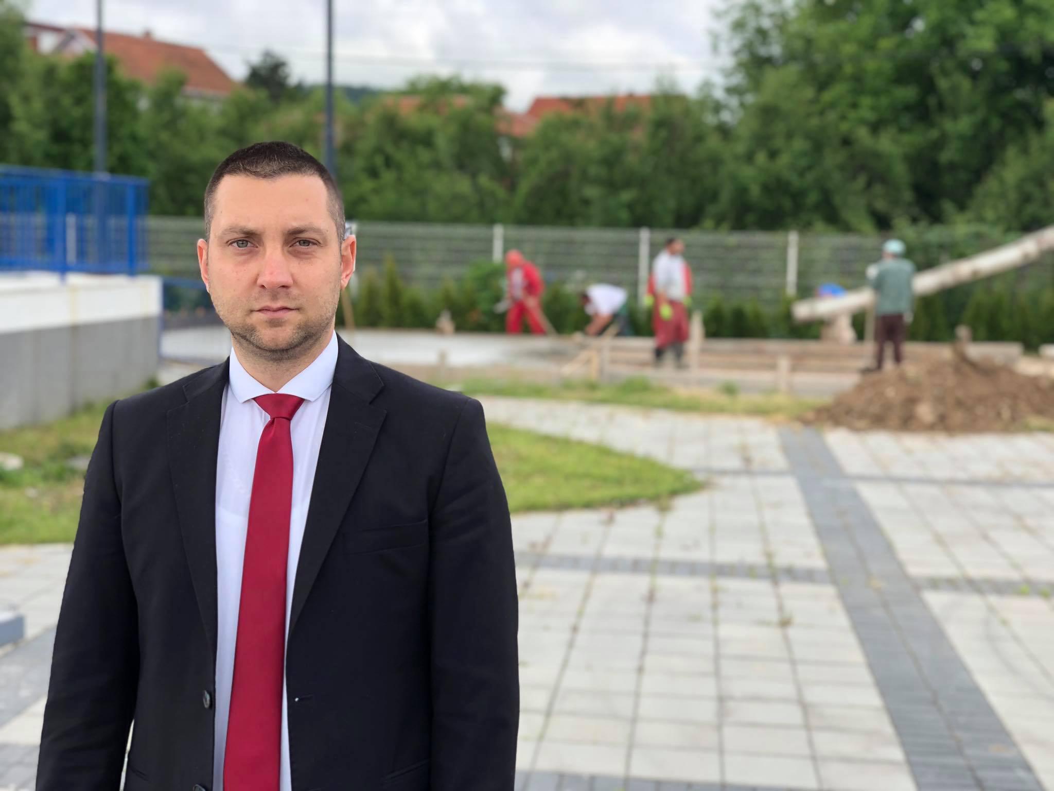 Izgradnja fut-tenis terena, Miroslav Marković, foto: M.M.