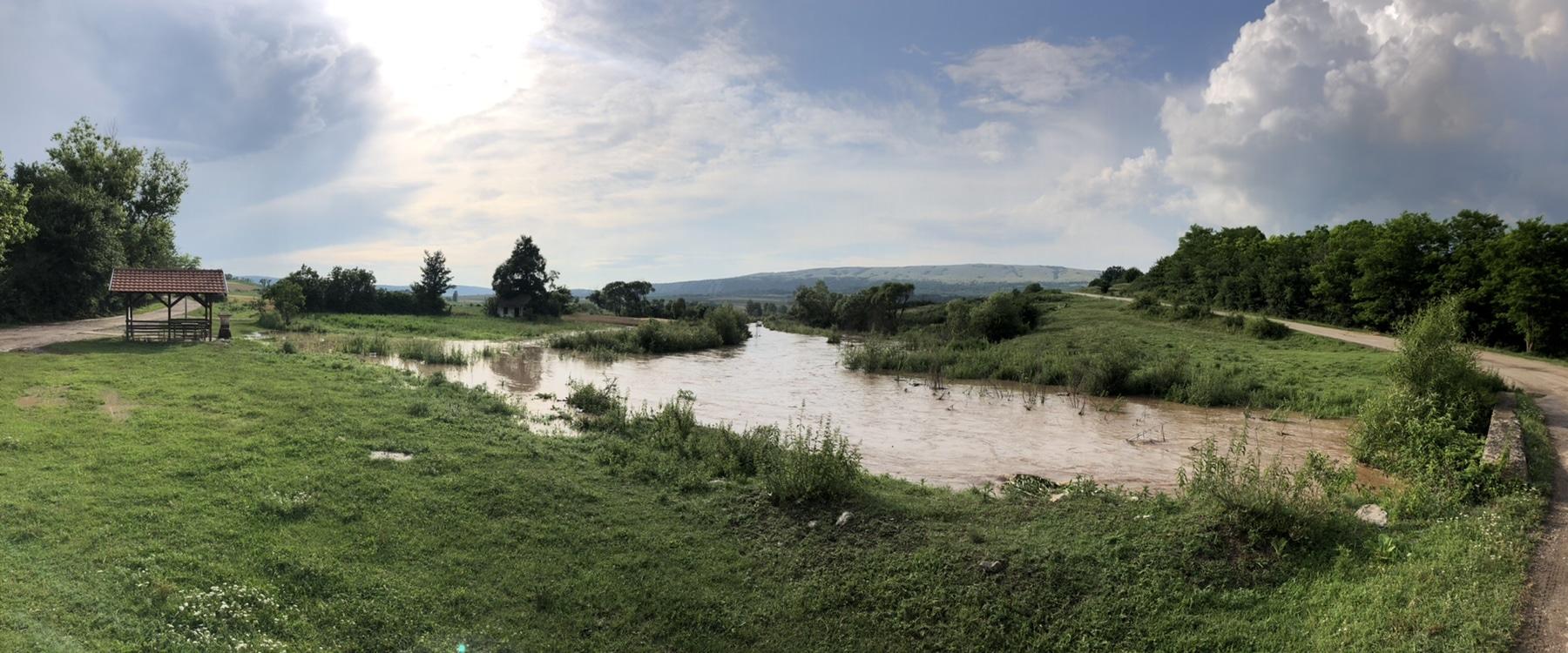 Poplavljen komasirani deo kod Plužine (VIDEO)