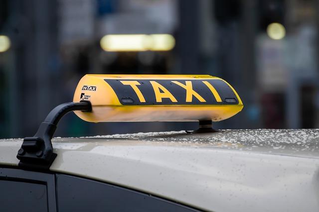Taxi, ilustracija, pixabay.com
