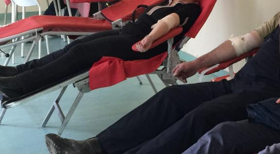 Davanje krvi, foto: Svrljiške novine, arhiva