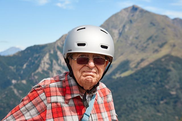 Penzioner, ilustracija, pixabay.com