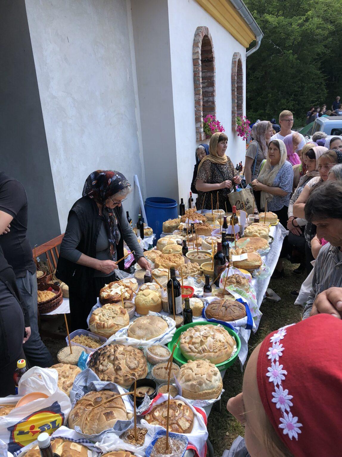 Labukovo, Svrljig, slavski kolači