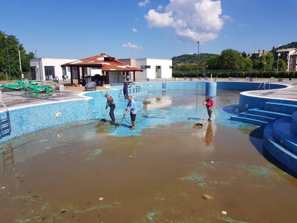Čišćenje bazena, foto: S.M.