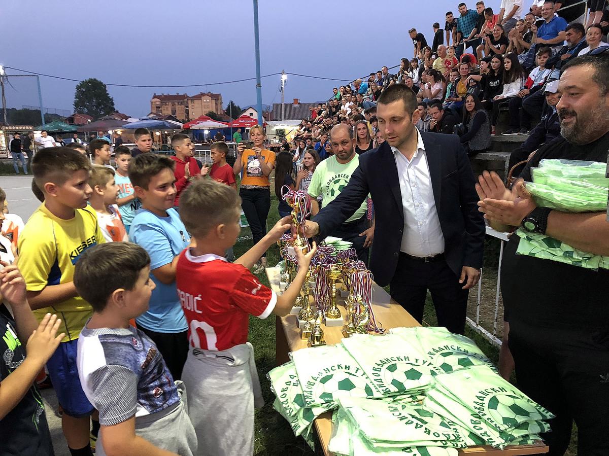 Predsednik opštine uručio nagrade najmlađima, foto: M.M.