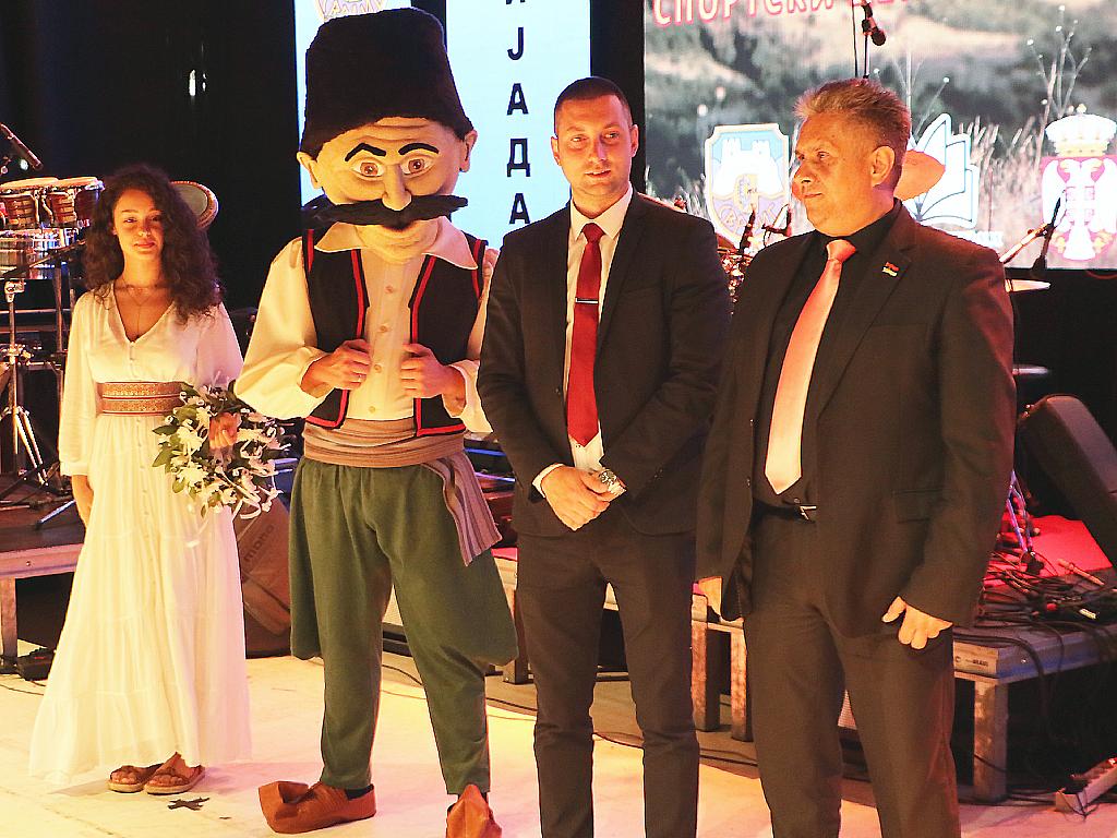 Podela nagrada, na bini Milija Miletić i Miroslav Marković, foto: M.M.