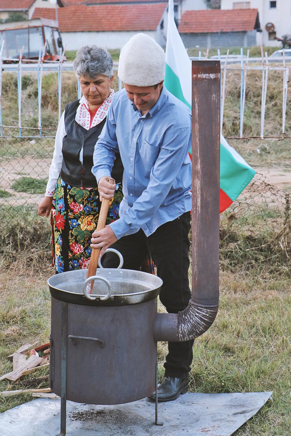 Belmuž pripremaju i komšije iz Bugarske, foto: M.M./ Svrljiške novine