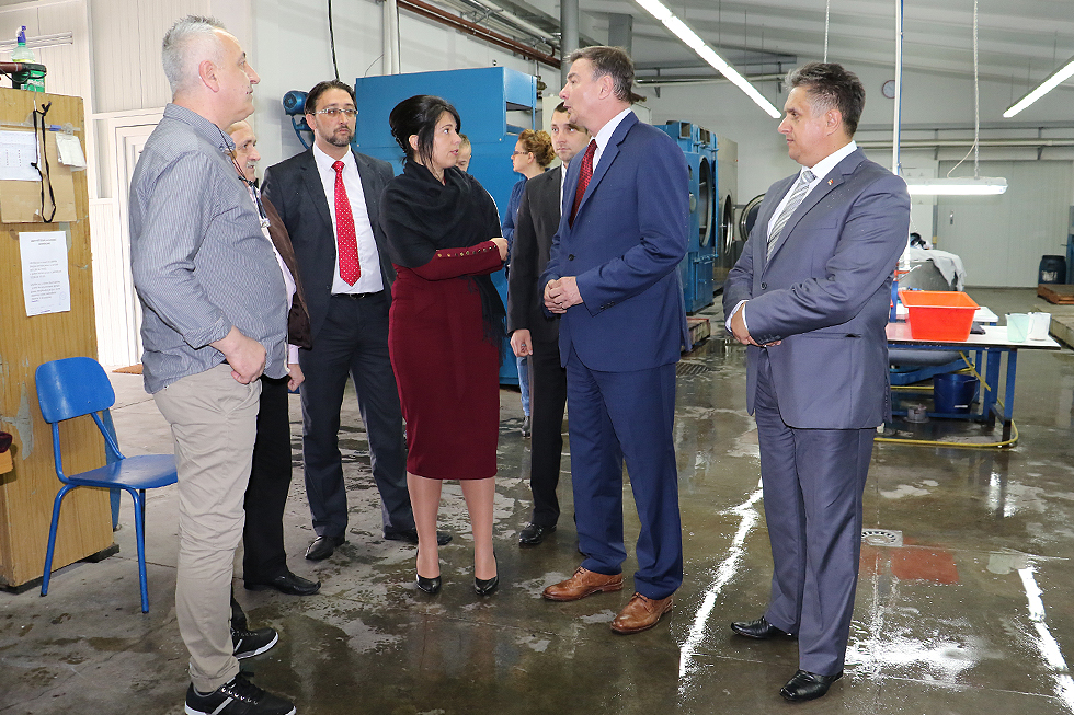 Ministar Knežević obišao pogone svrljiških firmi