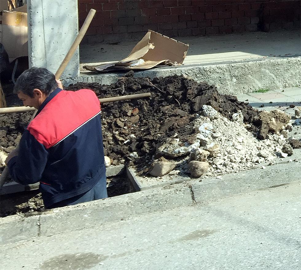 FOTO INFO: Šta se to kopa?
