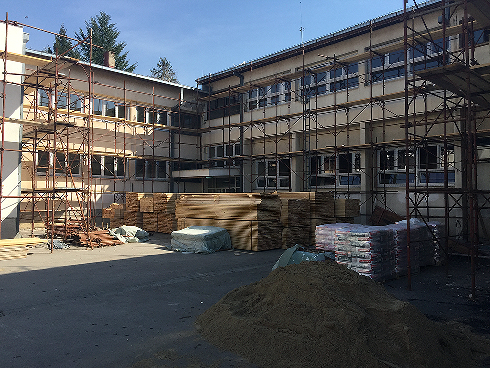 Miletić obišao radove na rekonstrukciji Osnovne škole 2