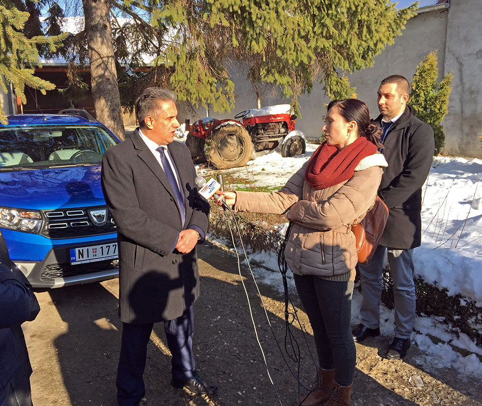 Narodni poslanik Milija Miletić u razgovoru sa medijima, foto: M.M. / Svrljiške novine