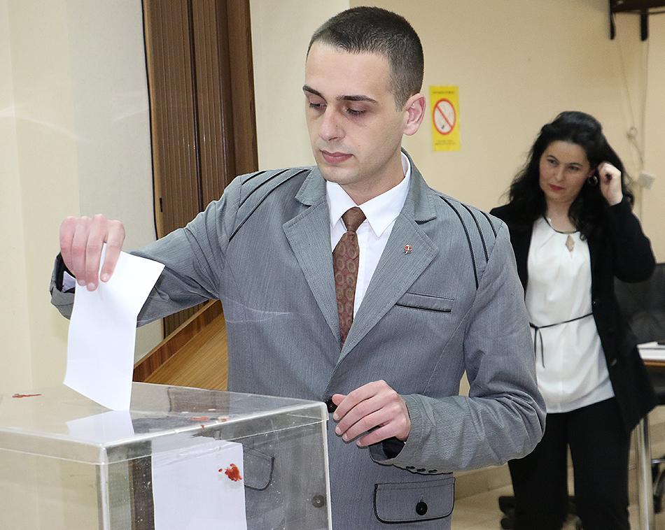 Najmlađi odbornik - Lazar Vukadinović (SPS)