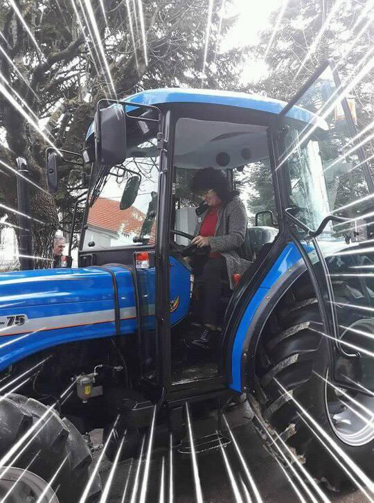 Lazarevićeva u traktoru, foto: privatna arhiva