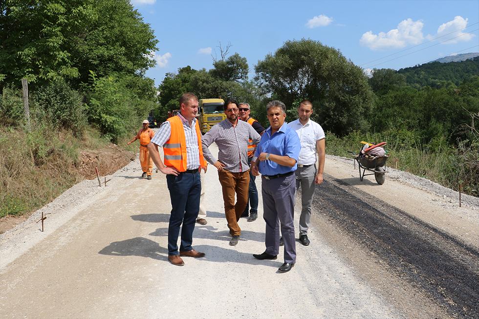 Obilazak izgradnje puta kod Okruglice, foto: M. Miladinović, Svrljiške novine