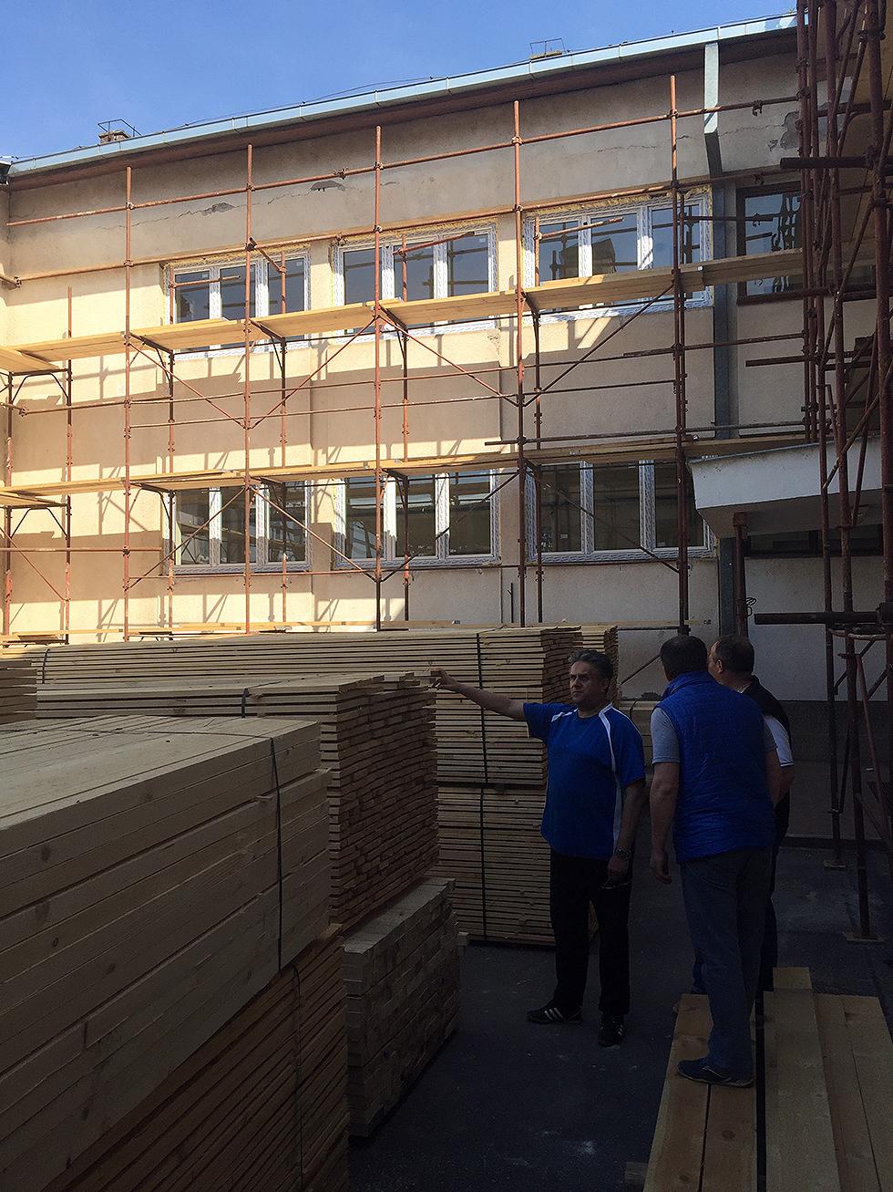 Miletić obišao radove na rekonstrukciji Osnovne škole 1