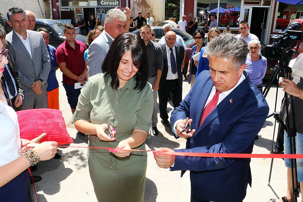 Svečano otvaranje Banke Poštanske štedionice u Svrljigu, foto: M. Miladinović, Svrljiške novine