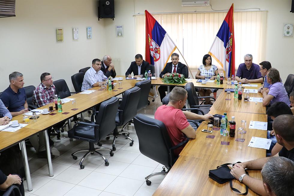 Pododbor za praćenje stanja u poljoprivredi zasedao u Negotinu i Svrljigu