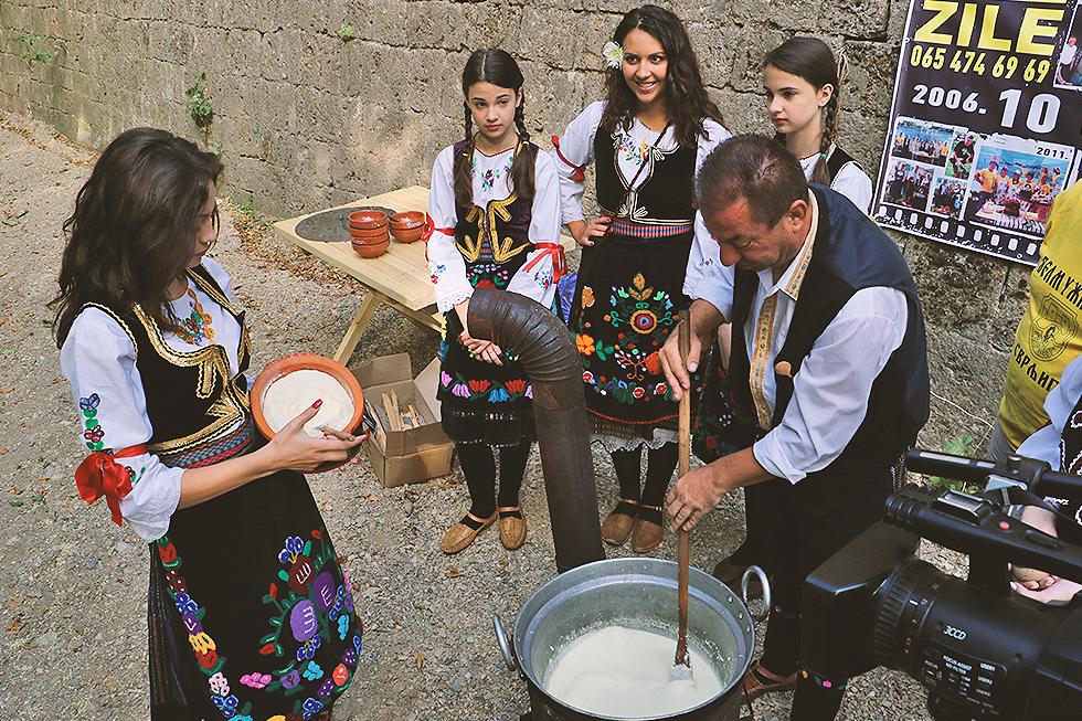 Promocija ''Belmužijade'' u restoranu ''Biser'' u Nišu, foto: M.M. / Svrljiške novine