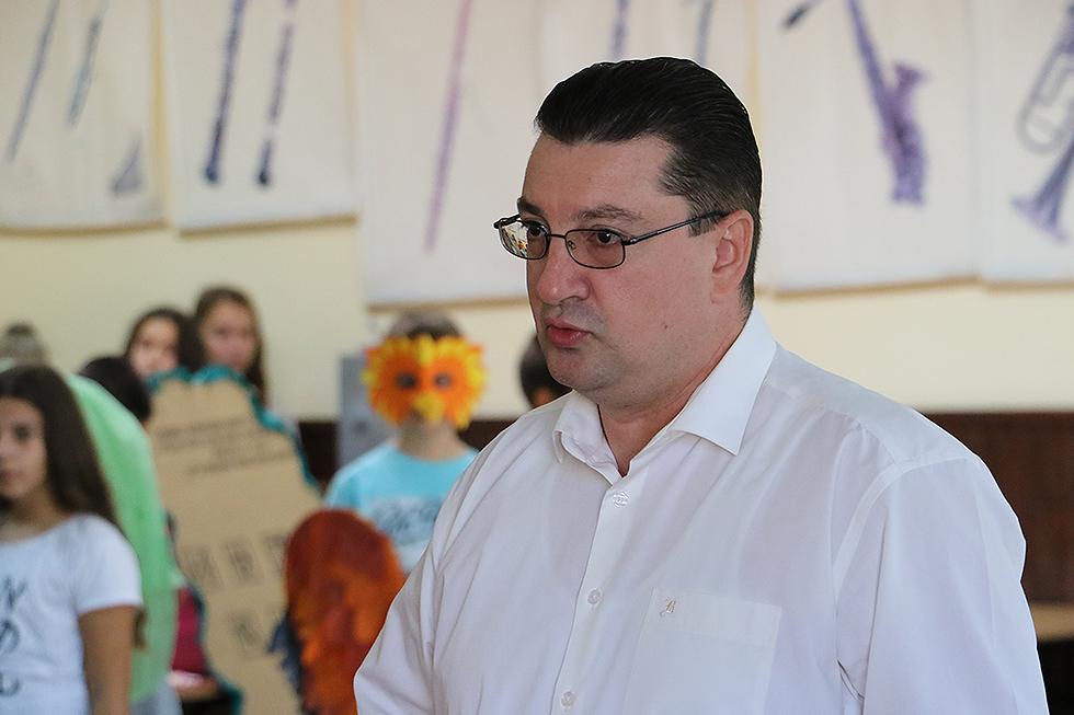 Direktor OŠ ''Dobrila Stambolić'' prof. Saša Golubović, foto: M. Miladinović, Svrljiške novine