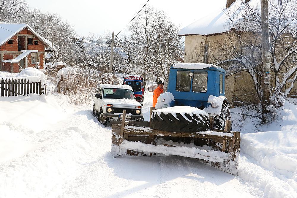 Improvizovan raonik na traktoru, foto: M. Miladinović