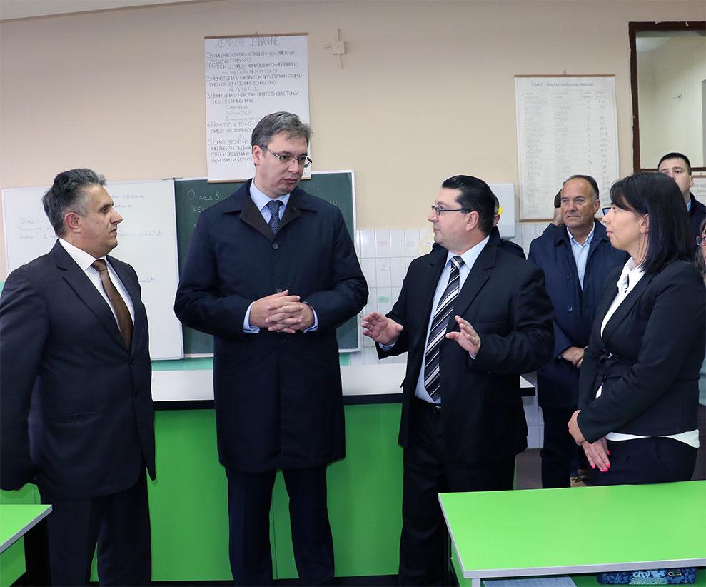 Poseta hemijskom kabinetu u O.Š. ''Dobrila Stambolić''