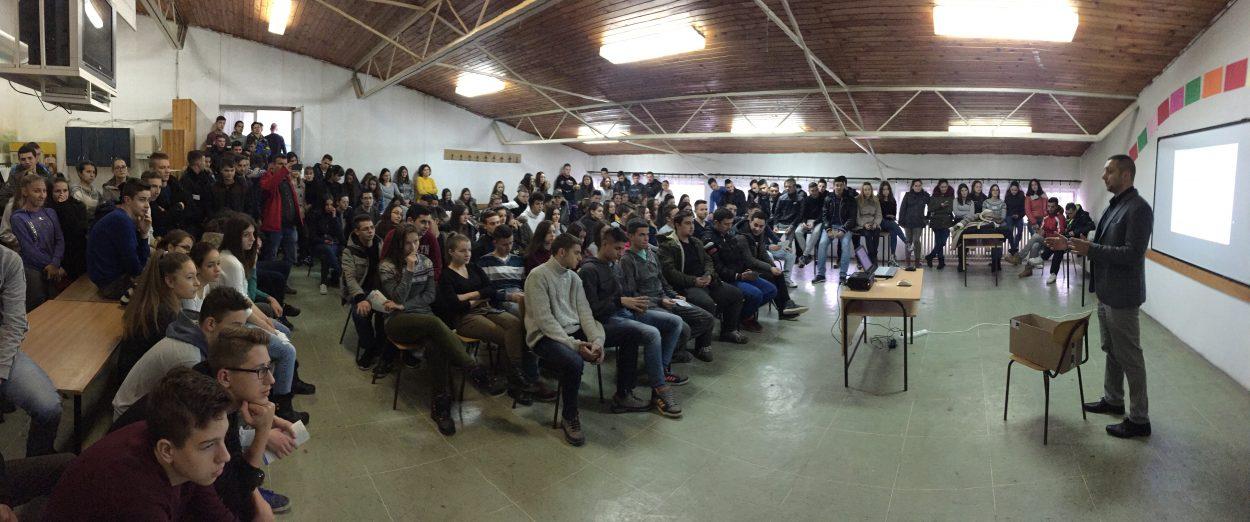 Miroslav Marković u obraćanju učenicima SŠ Dušan Trivunac Dragoš u Svrljigu