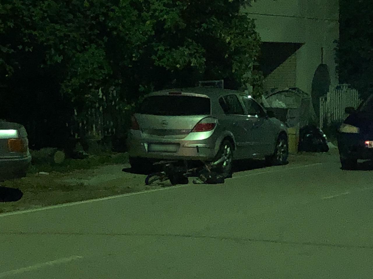 Automobilom oborio biciklistu