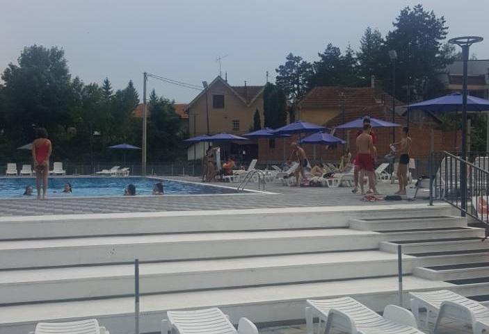 Temperatura vode na bazenu u Svrljigu 26 stepeni