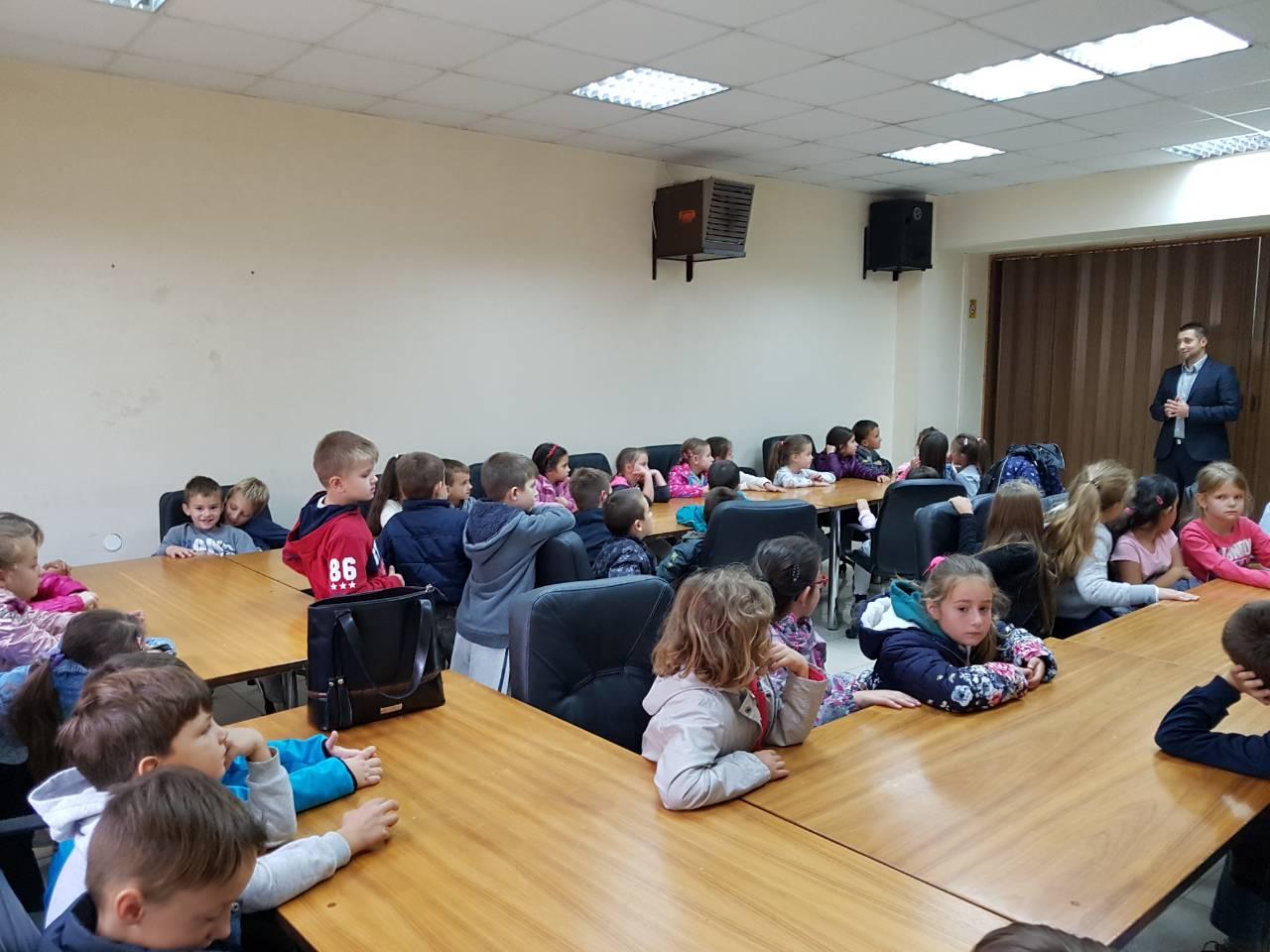 U okviru ''Dečje nedelje'' Miroslav Marković ugostio učenike prvog razreda 2