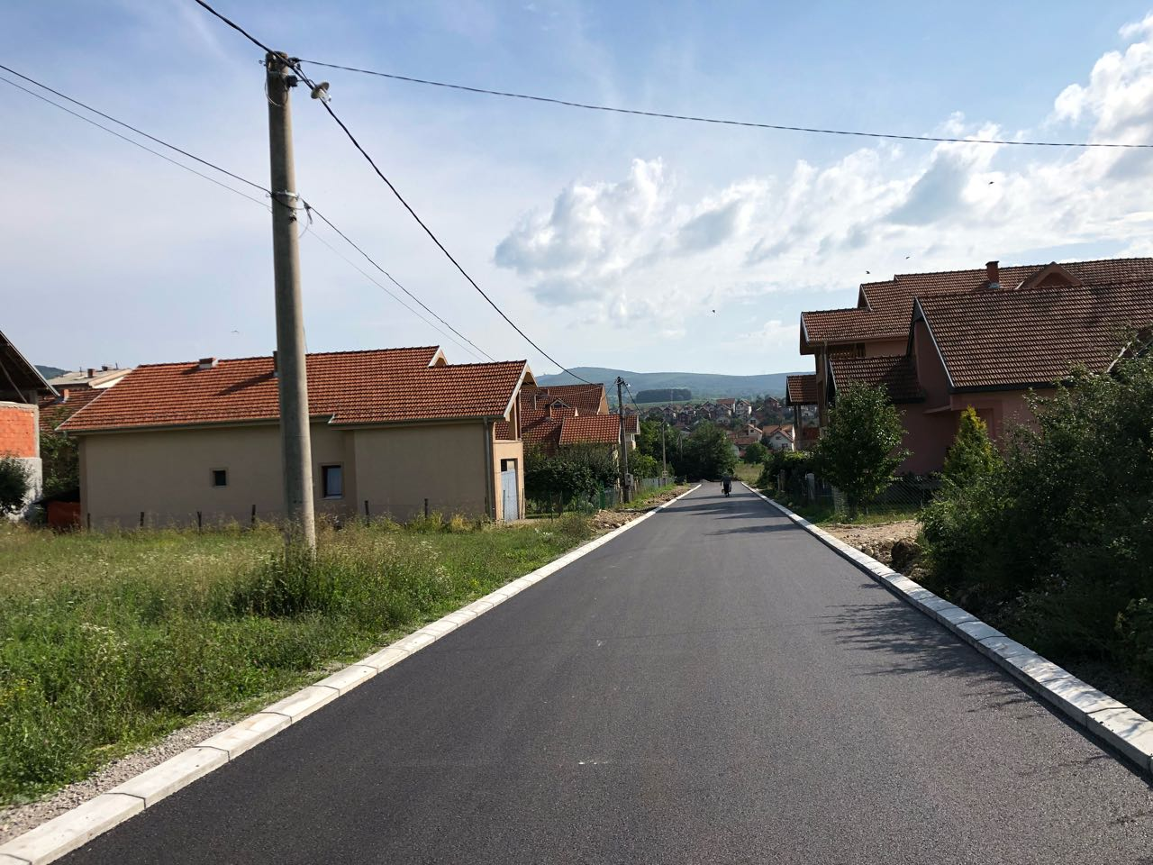 Asfaltirana ulica Desanke Maksimović