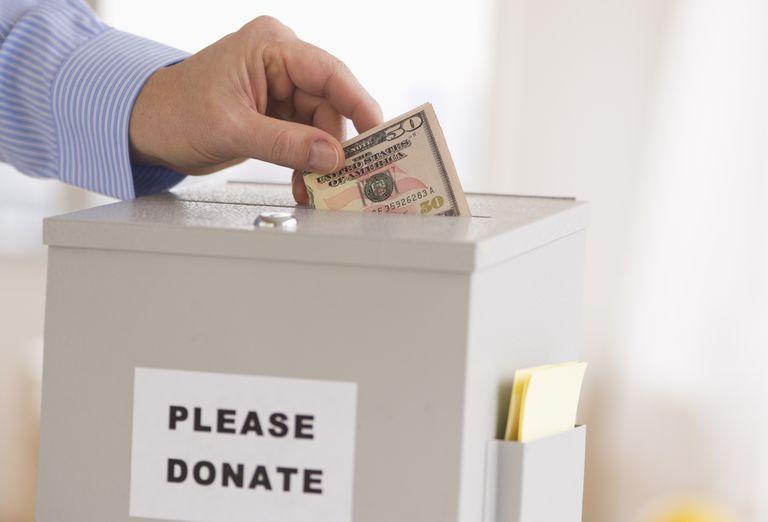 Ilustracija, kutija za donacije, foto: Tetra Images/Getty Images