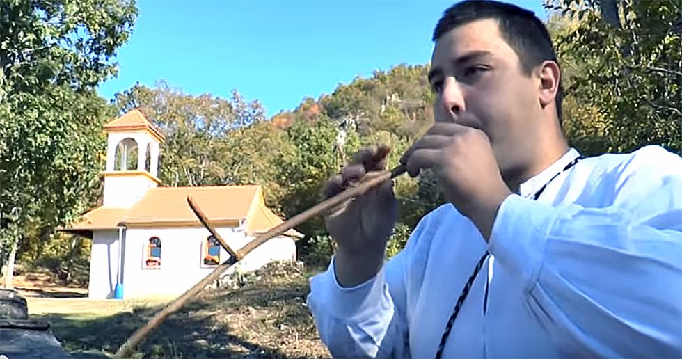 Mladi Svrljižanin samouki gajdaš i frulaš (VIDEO)